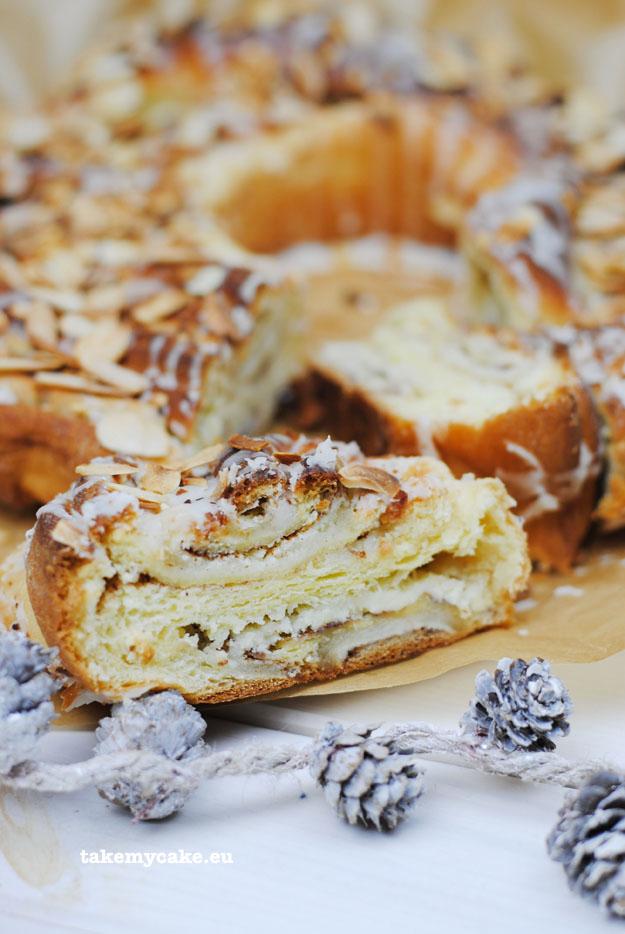 ciasto-drozdzowe-z-marcepanem1