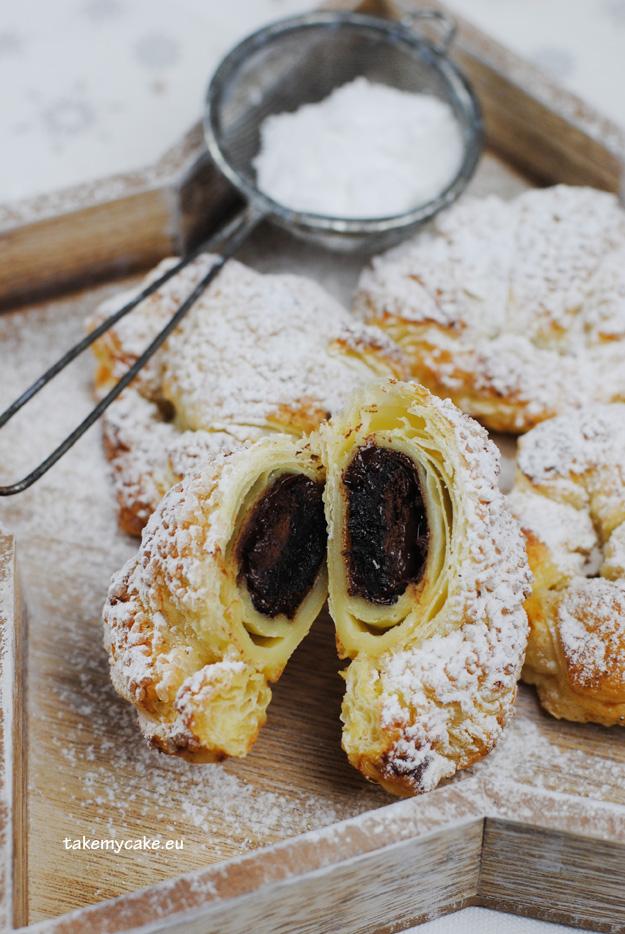 sliwki w czekoladzie pieczone w ciescie francuskim